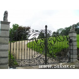 Brána 100