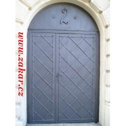 Kované plechové dveře